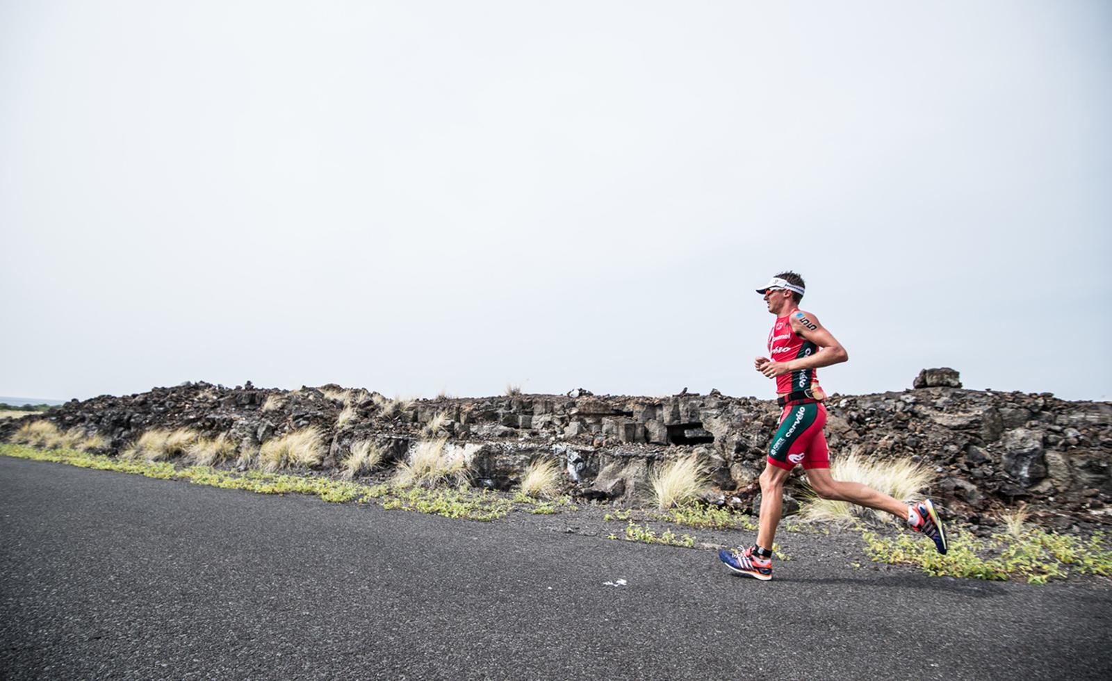 Unter anderem müssen die Athleten einen Marathon laufen.